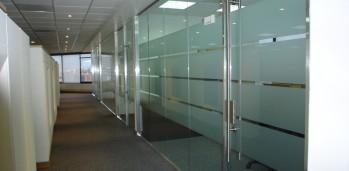 carpinteria aluminio sabadell divisiones oficinas