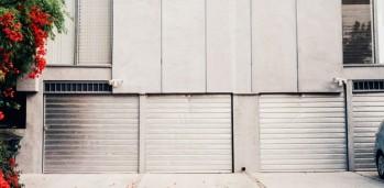 puerta de garaje de aluminio sabadell 2